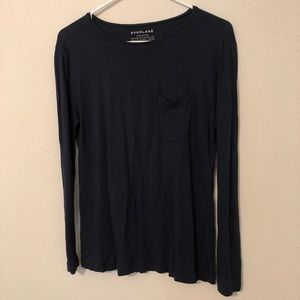 Everlane The Ryan long sleeve pocketed tee in Navy